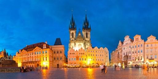 $1695 -- European Tour: 5 Countries in 9 Nights