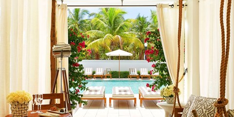 £126 -- Miami Beach Hotel w/$25 Dining Credit, 45% Off