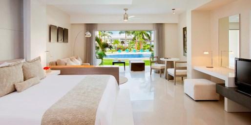 $539 -- Riviera Maya: Swim-Out Suite 'Secrets' Trip w/Air