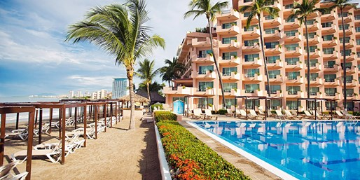 $799 -- 7-Nt. All-Incl. Puerto Vallarta Trip from St. Louis