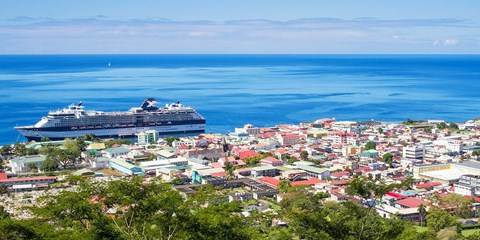 Island-Hopping Cruise w/Drinks, Tips, $400 Credit: US$799