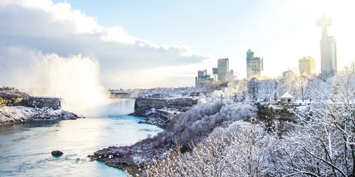 $125 -- Niagara Fallsview Suite w/Breakfast & Dining Credits