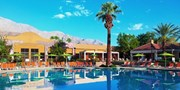 $89 -- Downtown Palm Springs Hotel w/Drinks, 40% Off