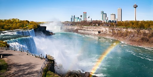 $85 -- Niagara Falls-Side Stay w/$50 for Dining, Reg. $199