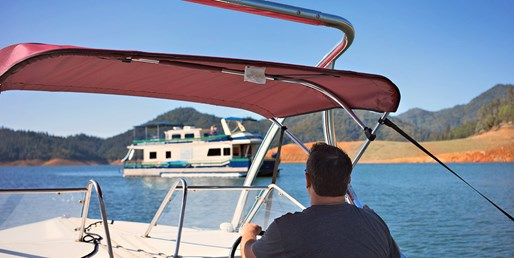 $850 -- Lake Shasta 3-Day Houseboat for 8 w/Ski Boat Rental