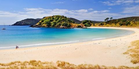 £1279pp -- New Zealand: 10-Nt Self-Drive Adventure w/Flights
