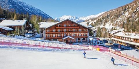 £499pp -- Christmas Ski Break in Italian Resort, Save £460+