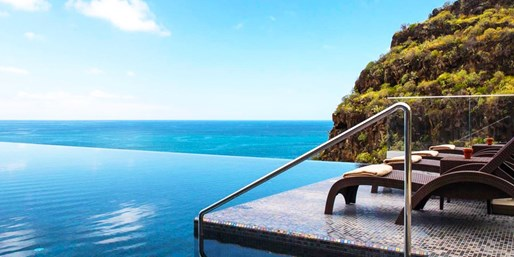 £499pp -- Deluxe Madeira Holiday w/Meals; Fly fr 9 Airports