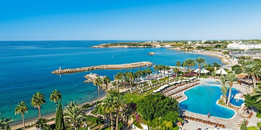 £399pp -- Cyprus: Luxury All-Inc Paphos Holiday, Save 34%