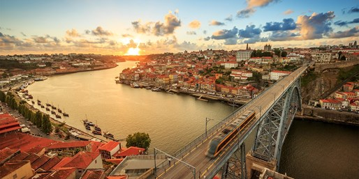 £199pp -- 5-Star Porto Escape w/Flights & Suite, Save 47%