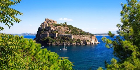 £469pp -- Italian Island Escape w/Flights, Meals & Transfers