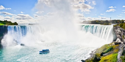 £699pp -- Canada Holiday w/Flights, Tours & Niagara Falls