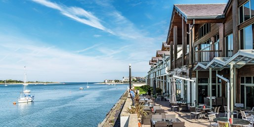 £105 -- Conwy: Estuary Stay w/Afternoon Tea, Save 38%