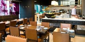 49 € -- Grand Hyatt: 4-Gänge-Menü für zwei inklusive Sekt