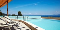 £499pp -- 5-Star Halkidiki Holiday w/Dine Around & Suite
