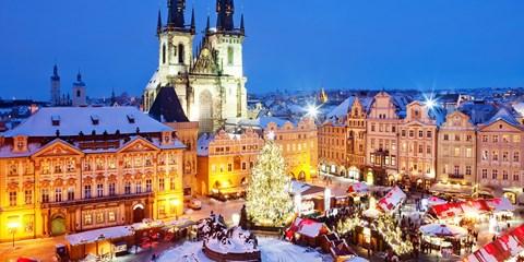 £129pp -- Prague: 3-Nt Break w/Flights, River Cruise & Tours