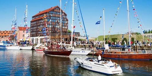 595 € -- Rundreise im Baltikum: 14 Tage mit Fähre & Hotels