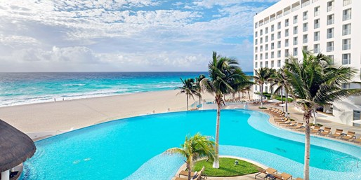 $559 -- Cancun's Top Resort: 5-Star All-Incl. at $200 Off