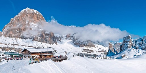 £499pp -- Italy: Easter Cortina d'Ampezzo Ski Week w/Meals