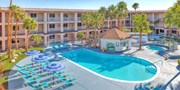 $49 -- Palm Springs Hotel w/Parking, 40% Off