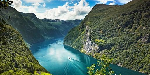 949 € -- Sommerkreuzfahrt: 10 Tage Fjorde Norwegens, -350 €