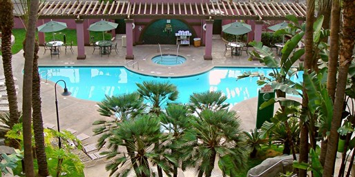 $99 -- SoCal Hotel near Disney w/Breakfast & Parking