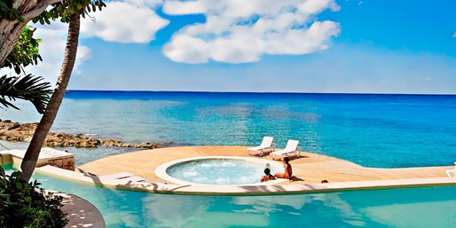 $256 -- Cozumel All-Inclusive Resort for 2 into December