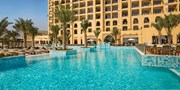 £619pp -- UAE: 5-Star All-Inc Hilton Break w/Dine-Around