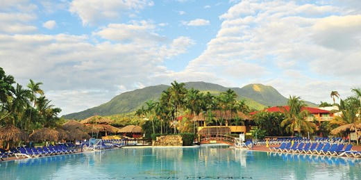 $800 -- Dominican 4-Star All-Inclusive w/Air This Winter