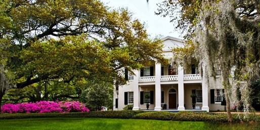 $119 -- Mississippi's Best Hotel w/Mint Juleps, 45% Off