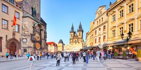 Dès 83€ -- Vols A/R vers Prague et Budapest