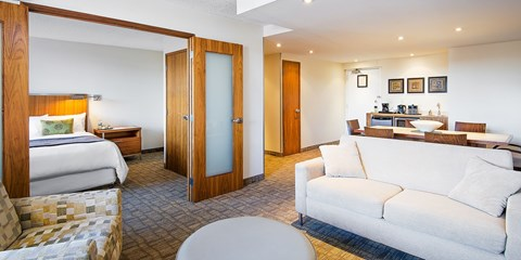 $109 -- Modern Suites at Calgary Hotel w/Parking & Breakfast