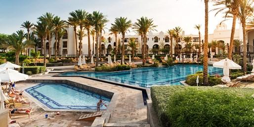 399 € -- Ägypten: Sonnenwoche im Luxushotel am Top-Riff