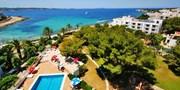 ab 427 € -- Ibiza: Sonnenurlaub im Hotel mit Meerblick & HP