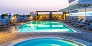 ab 733 € -- Dubai-Woche im Hotel mit Dachpool & Flug, -230 €