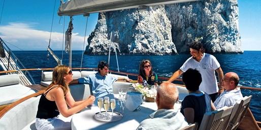1099 € -- 11 Tage Neapel, Amalfi & Ischia mit Flug, -200 €