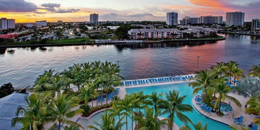 ab 103 € -- Beliebtes 4*-Hotel in Florida am Strand, -40%