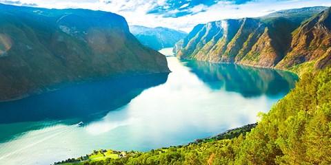 $80,900 -- 丹麥、瑞典、挪威、芬蘭 11 天,住百年飯店、賞絕美峽灣