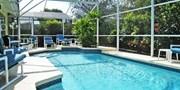 £689pp -- 12-Nt Florida Disney Villa Break w/Flights