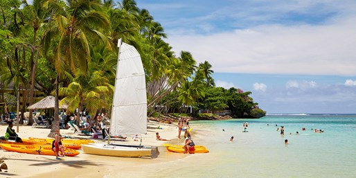 $1120 & up -- 5-Star Fiji Holiday w/Flights, Save up to $503