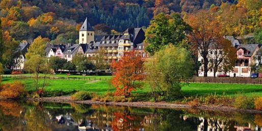 119 € -- Deluxe-Auszeit im Mosel-Schloss mit Menüs, -39%