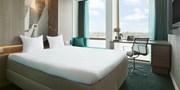 ab 109 € -- Amsterdam: 4* Hotel & Grachtenfahrt
