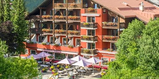 99 € -- Tirol: 4*-Auszeit mit 4-Gang-Menüs & E-Bike, -50%