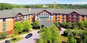 $179 -- Upstate NY Waterpark Resort incl. Six Flags Tickets