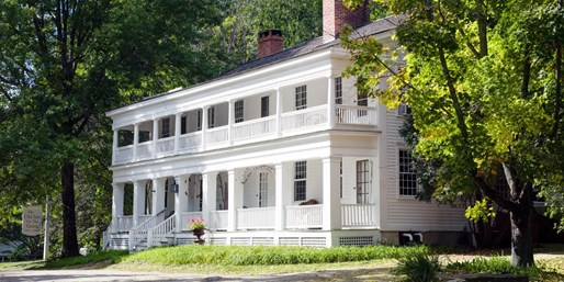 $389 -- Berkshires: 2-Nt. Stay w/4-Course Dinner, Reg. $902