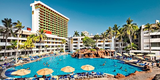 $196 -- Mexico thru Summer: All-Inclusive Resort Stay for 2