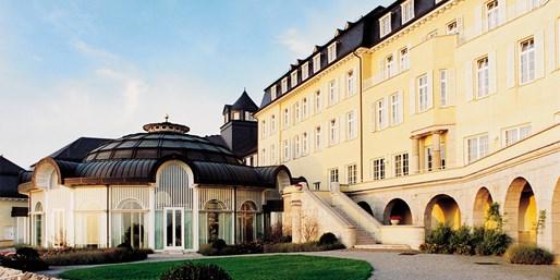 139-149 € -- Berühmtes Grandhotel auf dem Petersberg, -48%