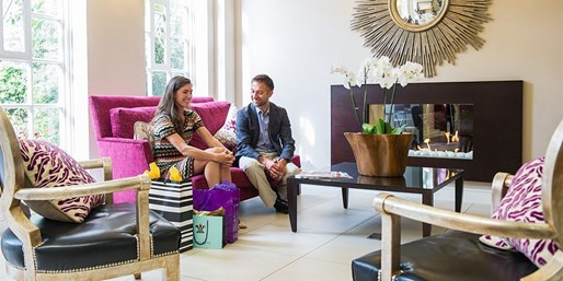 £105 -- London: 'Elegant' Pimlico Apartment Stay w/Cocktail