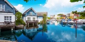 79 € -- Seenplatte: Auszeit mit Dinner im Hafenresort, -40%