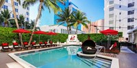 $79 -- Chic Miami Beach Hotel w/Breakfast & Bottle of Bubbly